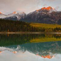 Fotomural Lago Montaña